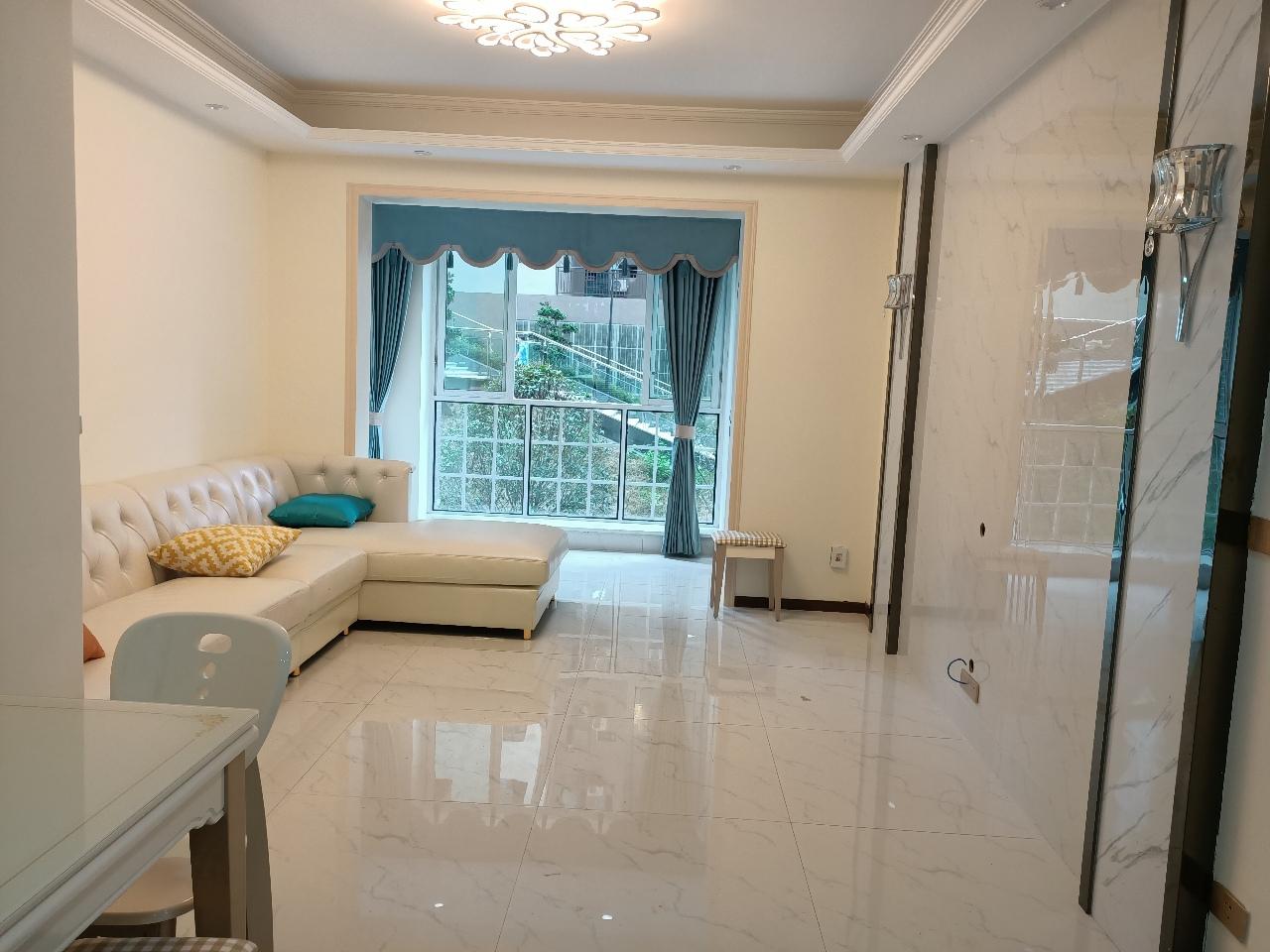 尚西A区3室 2厅 2卫62.8万元