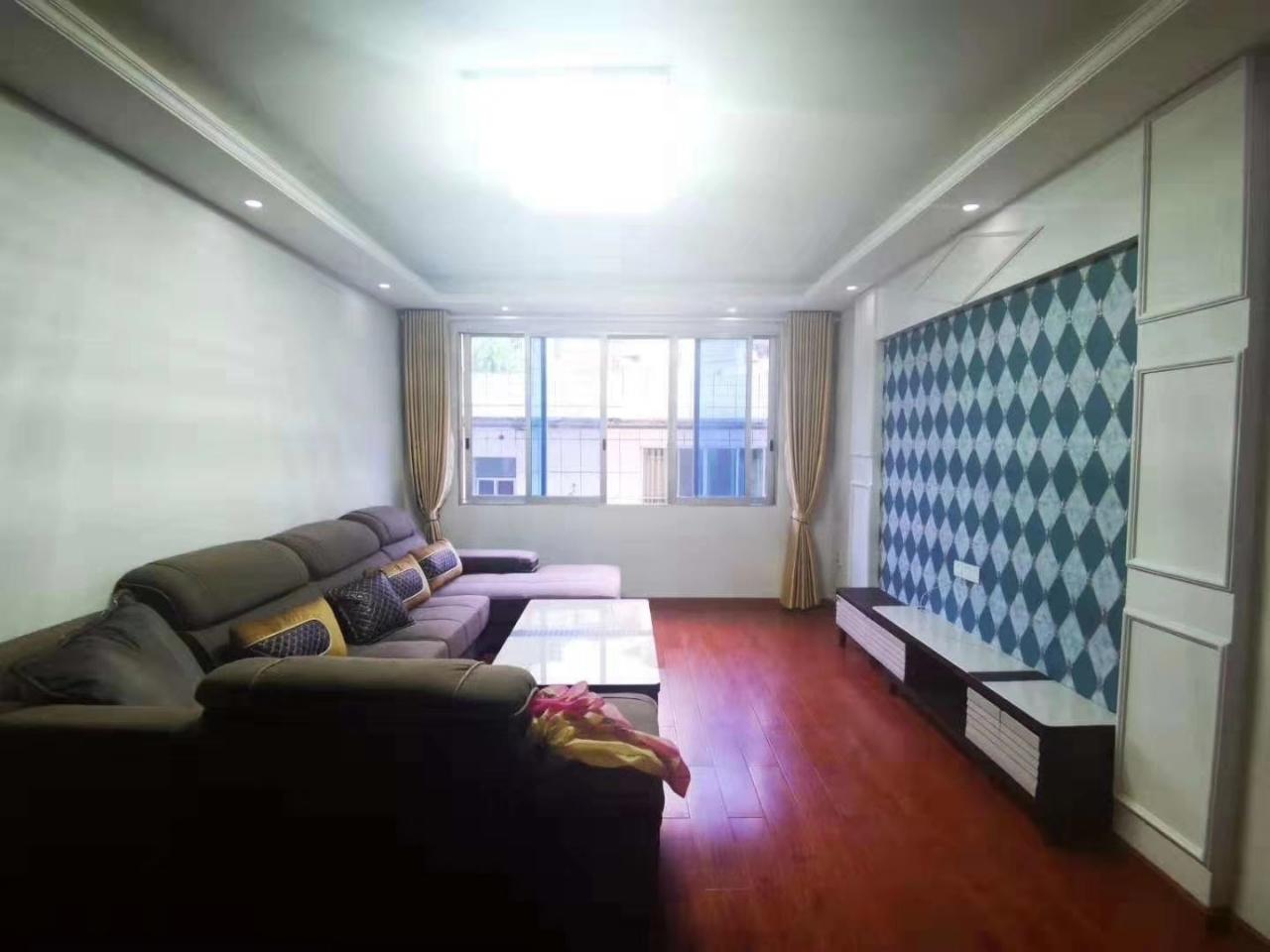 天堂街3室 2厅 2卫48万元