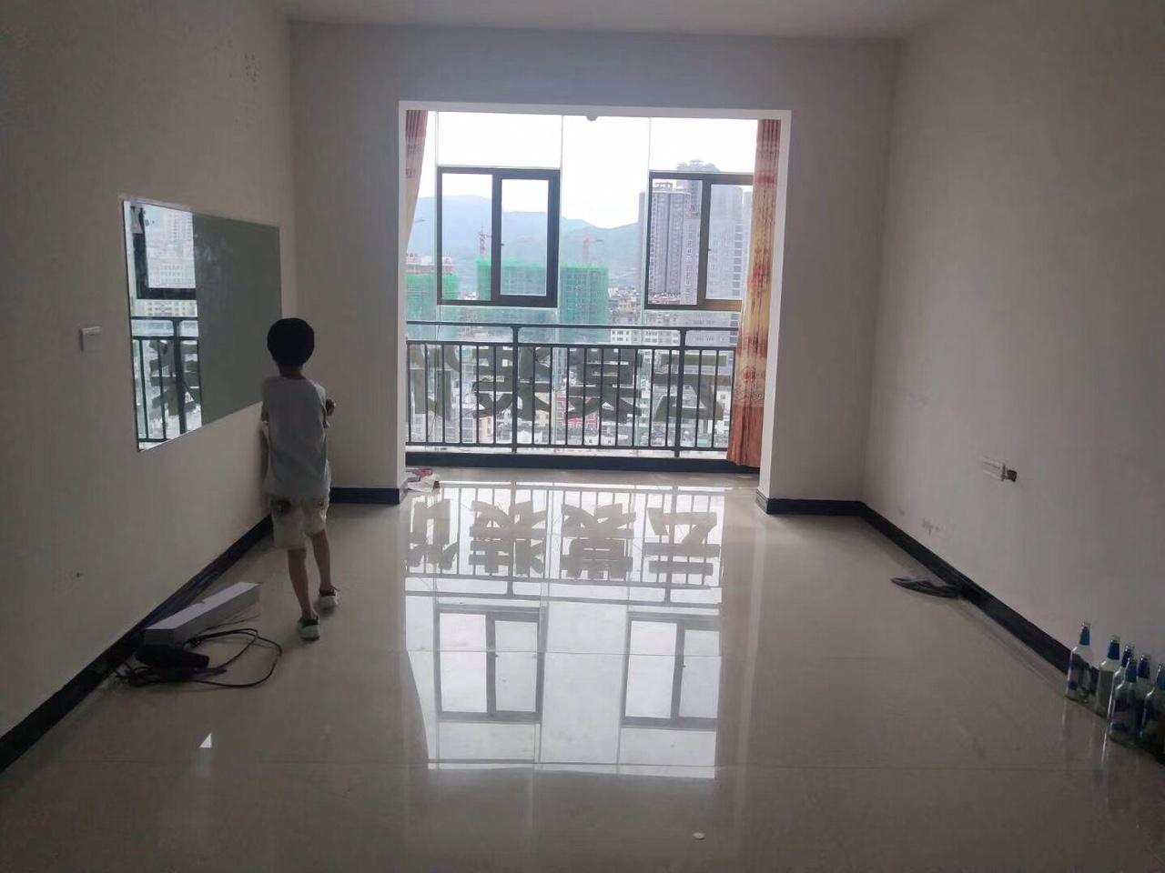 金坤大廈3室 2廳 2衛37.8萬元