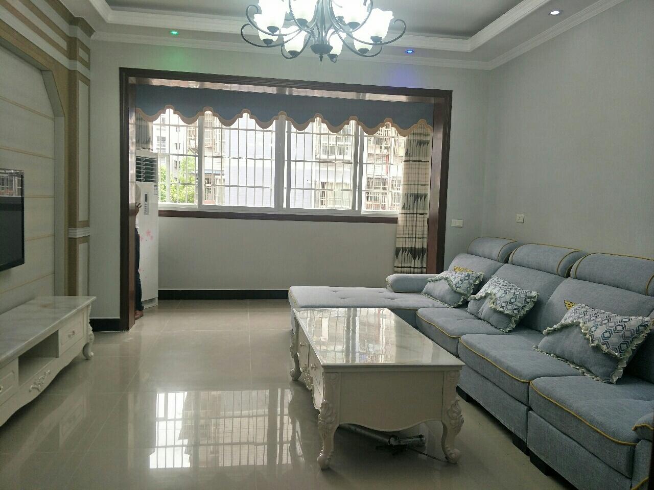 枫叶金岛3楼,精装带家具家电出售,可拎包入住,3室 2厅 2卫73万元
