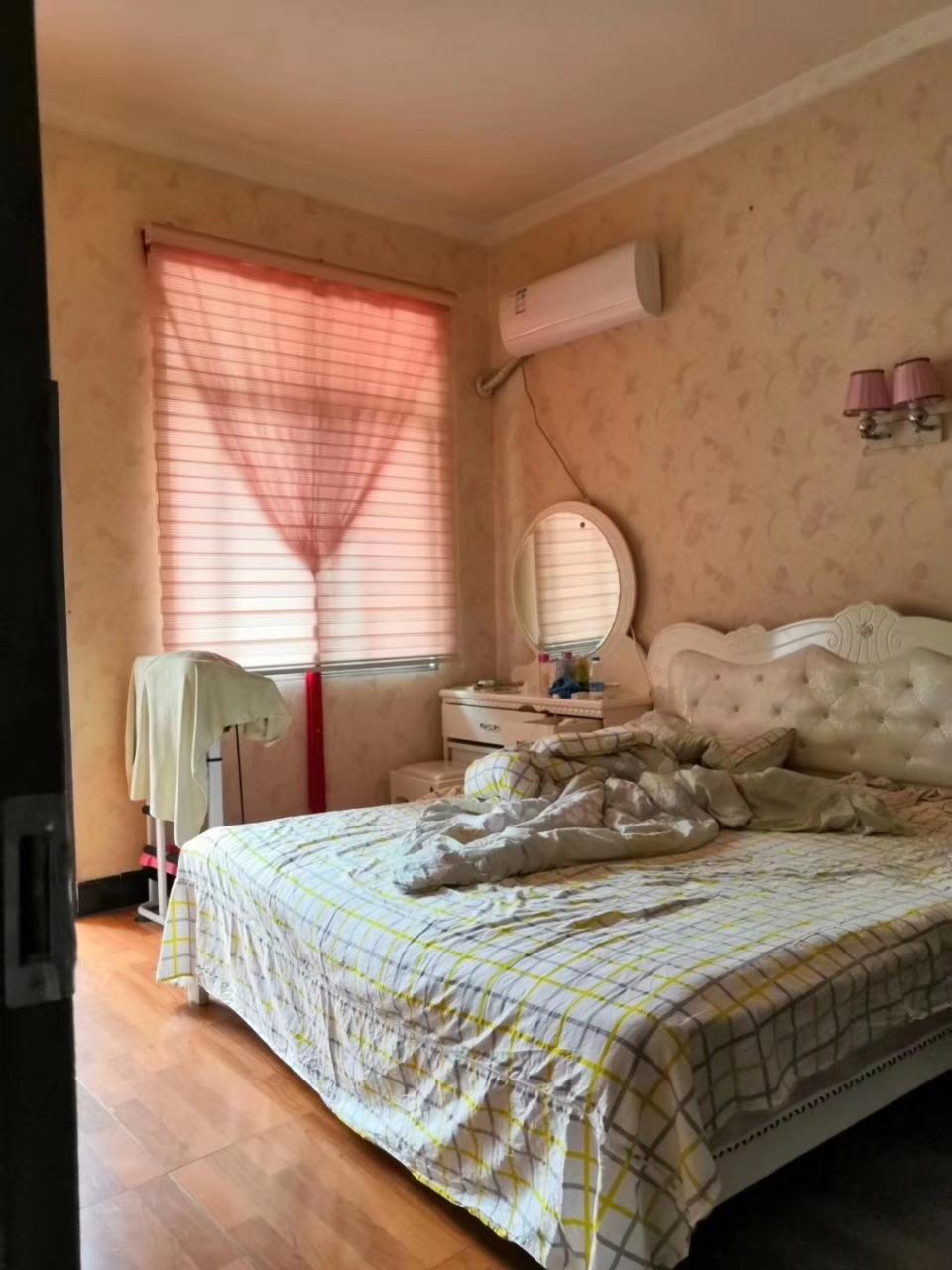土城4室 2厅 2卫70万元