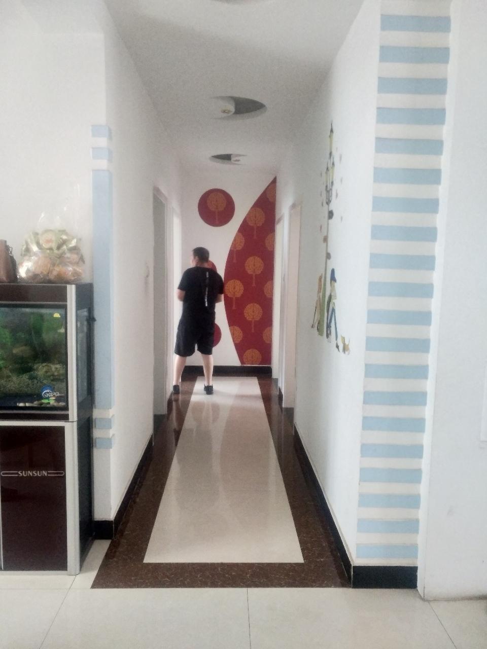 瑞通嘉园3楼带地上车库家具3室 2厅 2卫56万元