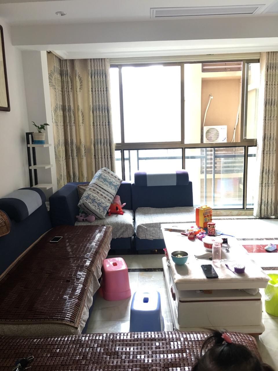 東麓國際4室 2廳 2衛88.8萬元