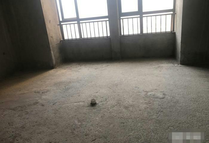亿龙城市花园1室 1厅 1卫30万元