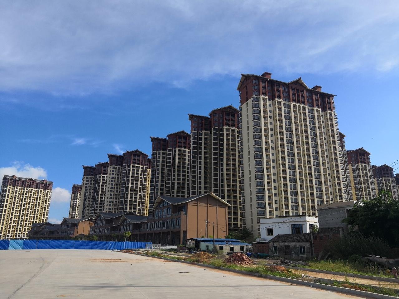 新安家园21楼3室 1厅 1卫60万元