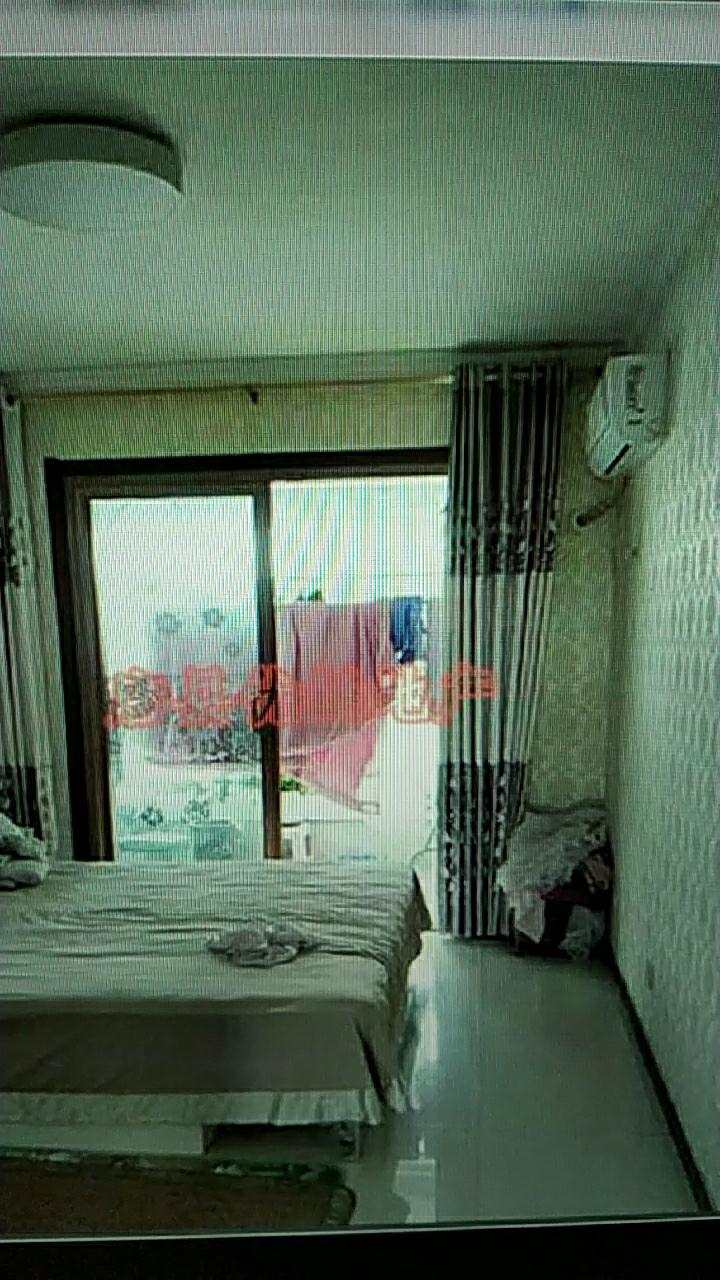 隆泰佳苑3室,地暖,有电梯,4800一平