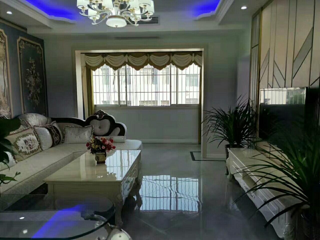 新合景苑,开中校旁边3室 2厅 2卫63万元