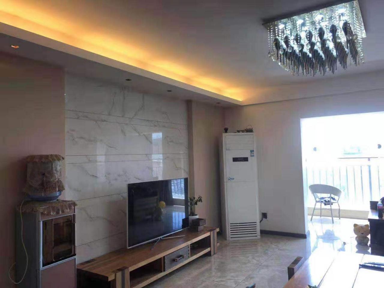 时代广场3室 2厅 2卫96.3万元