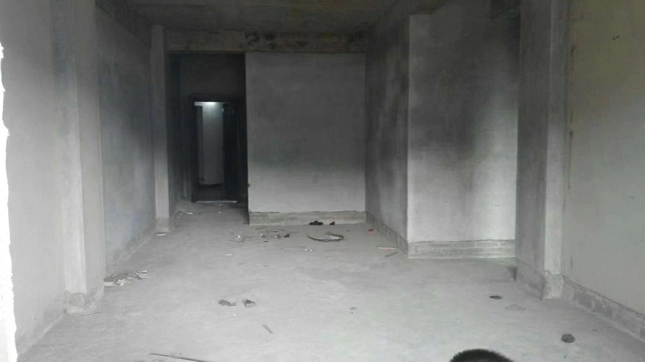 大廣場附近3室 2廳 2衛59.80萬元