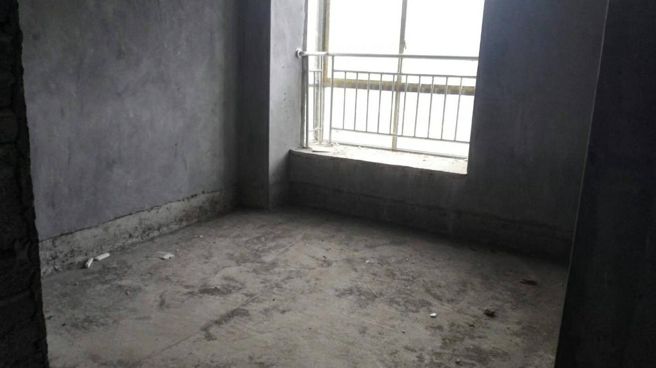 江景苑a区3室 2厅 2卫57.80万元