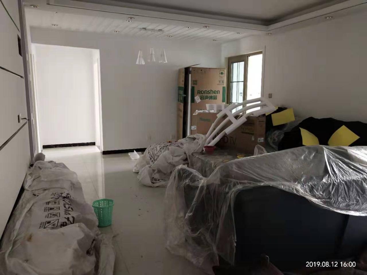 学府御庭3室 2厅 2卫80万元