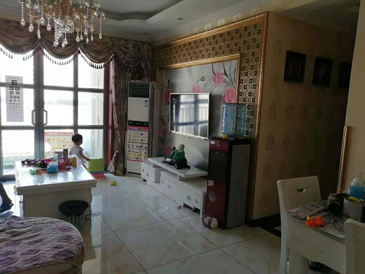 山台山108平精装房3室 2厅 2卫65.8万元