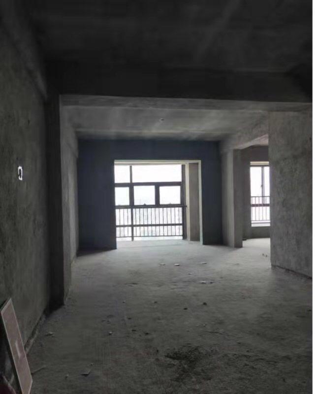 明珠茶叶城,毛坯,高层,户型漂亮,109平,仅售5