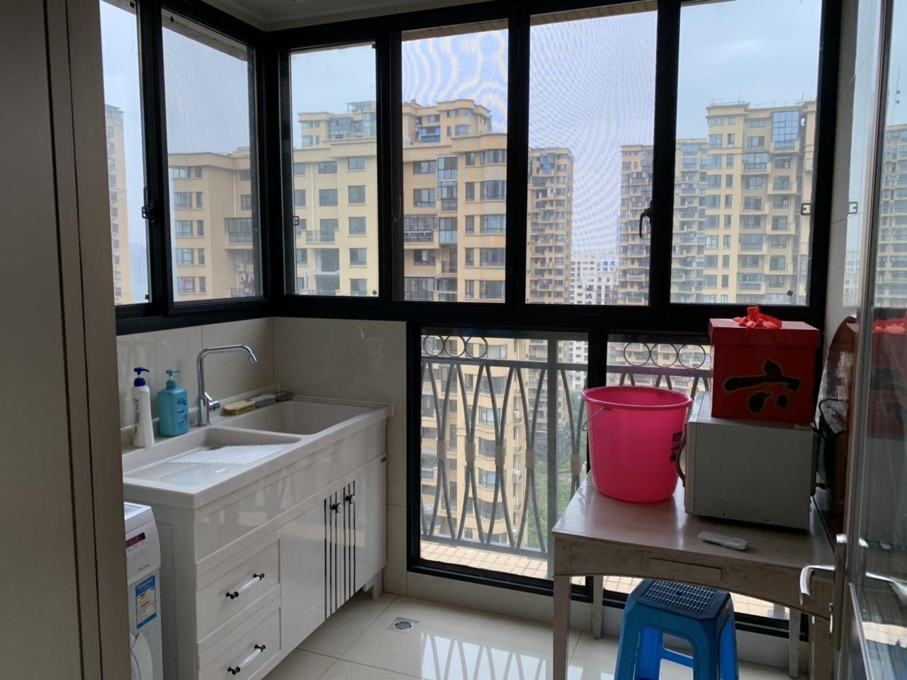 亚龙湾4室 2厅 2卫328万元