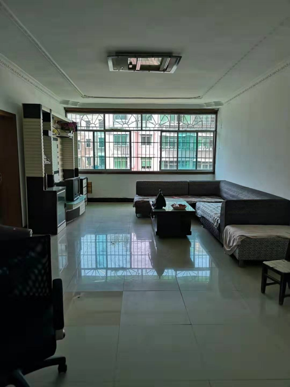 吉成名苑3室 1厅 1卫40.8万元
