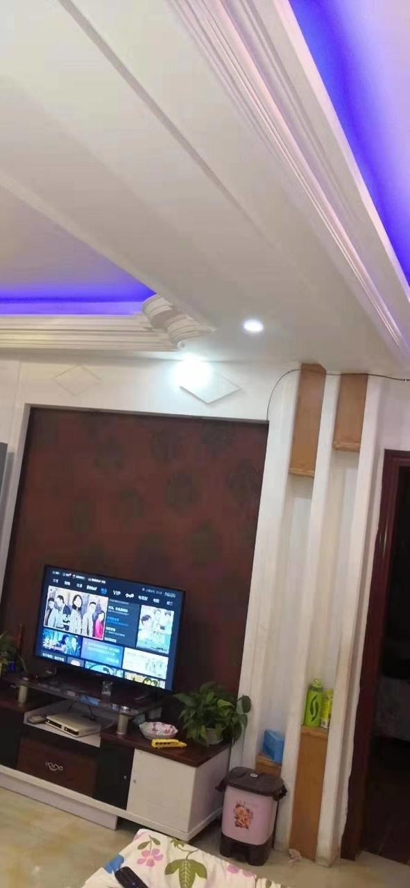 青崗林廉租房精裝4室 2廳 2衛只要53萬元
