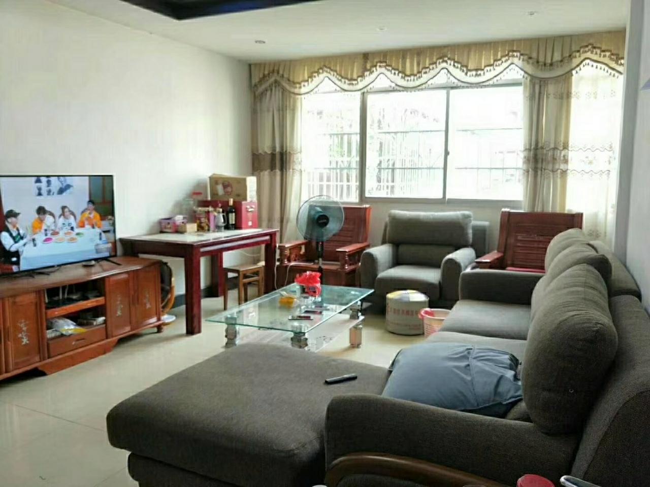 同發小區3室 2廳 2衛73萬元