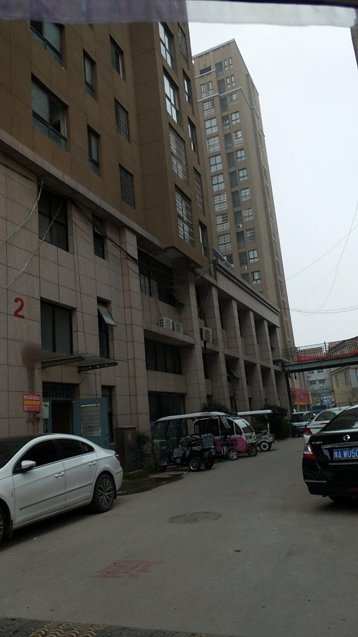 中央广场3室 1厅 1卫45万元