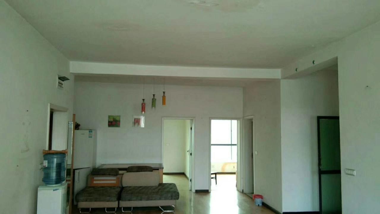 鸿福家园4室 1厅 1卫40.8万元