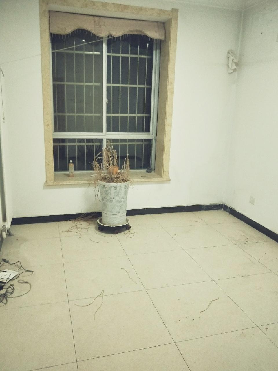 印刷厂小区3室 2厅 2卫46万元