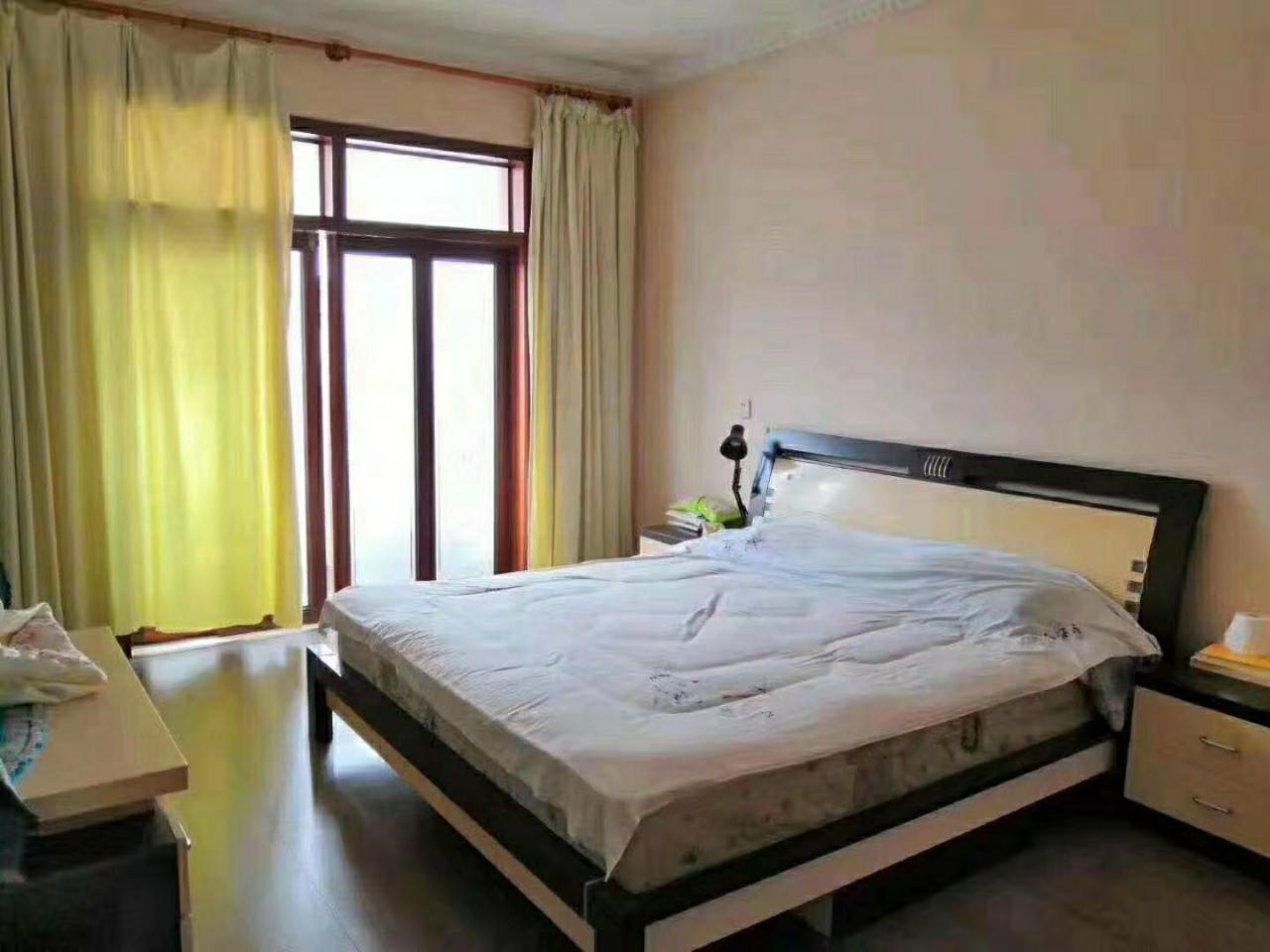 花燈廣場3室 2廳 2衛優質樓梯房49.8萬元