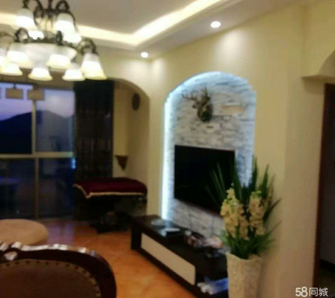 麒龙广场3室 2厅 1卫44.8万元