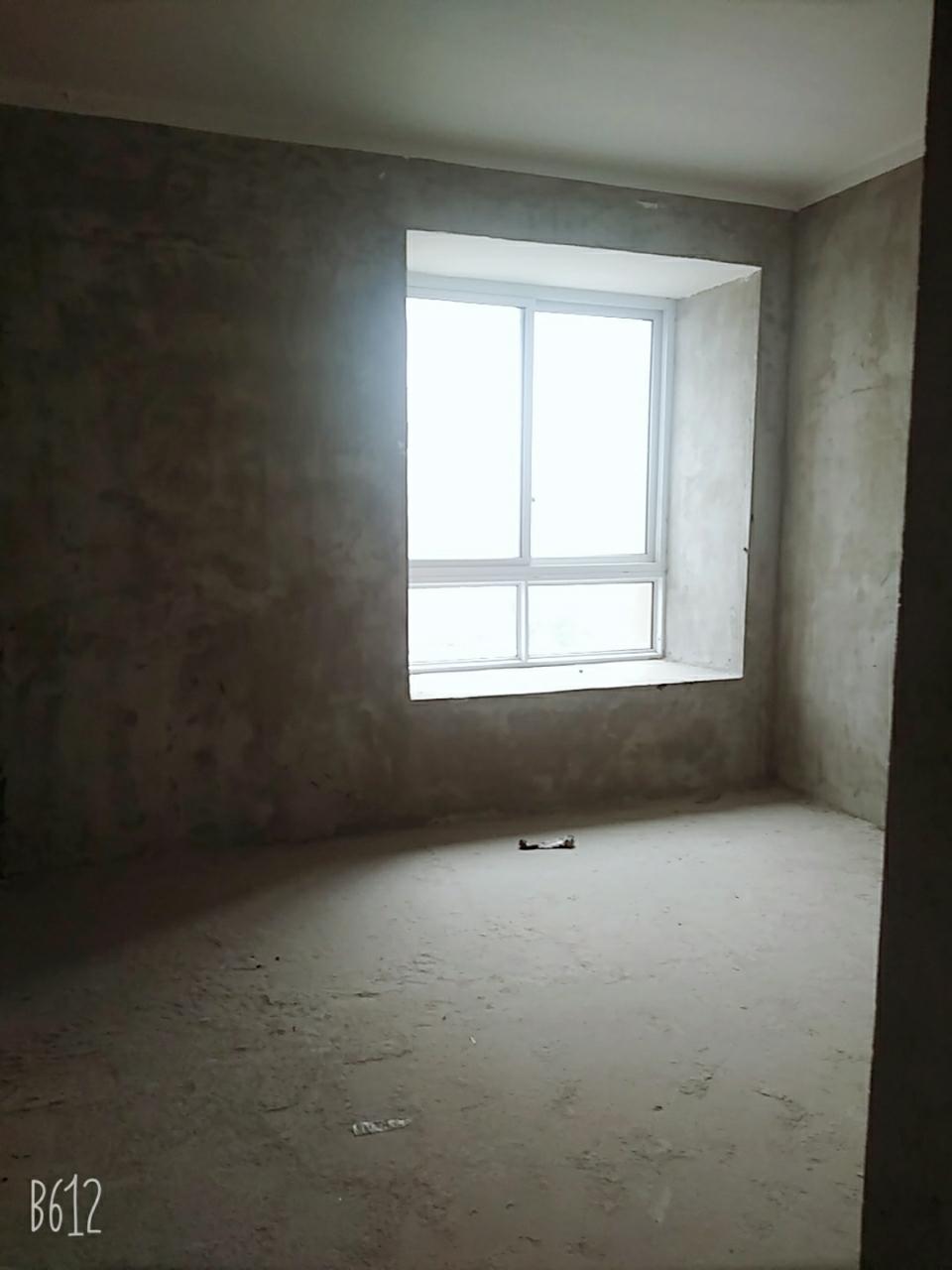 中山商城3室 2厅 1卫44.8万元
