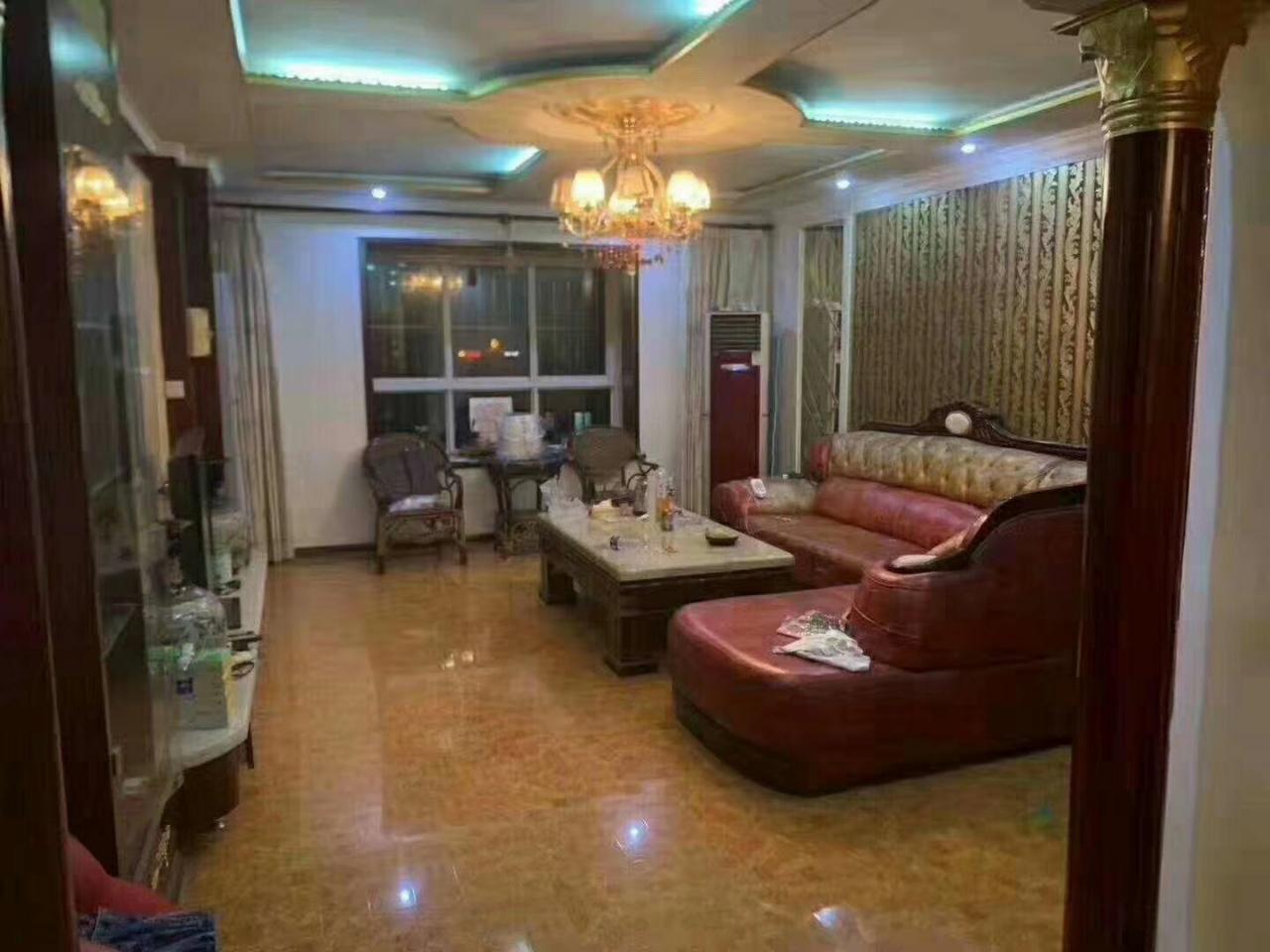 華宇園3室 2廳 2衛107萬元