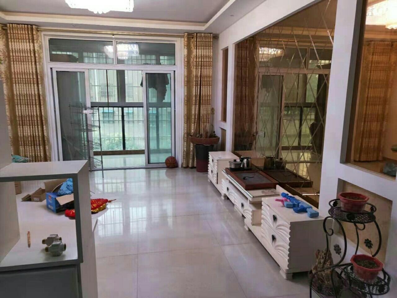 俪景湾3室 2厅 2卫50万元