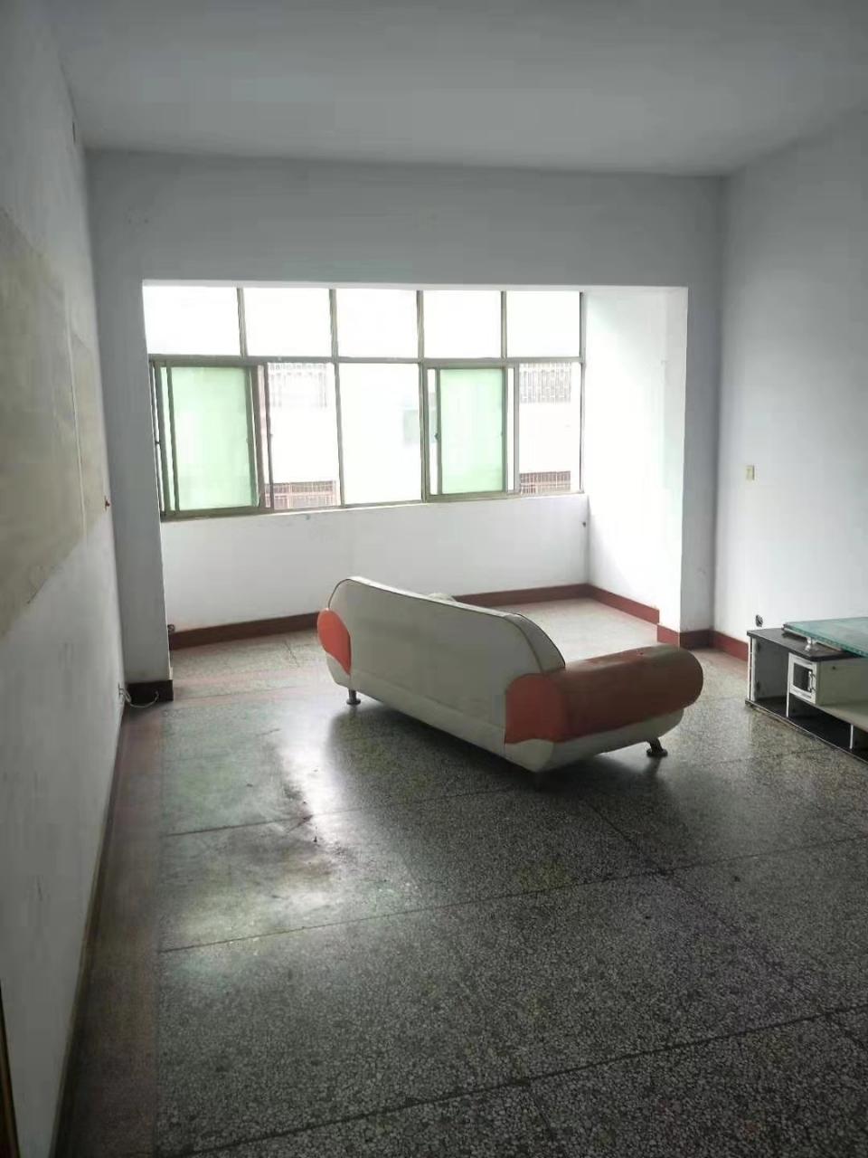 惠安小區西2室 2廳 1衛33萬元