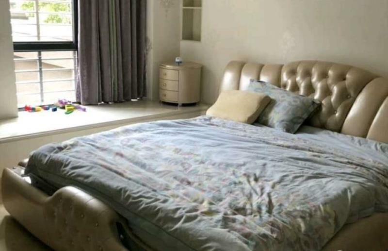 永隆国际城4室 2厅 2卫180万元