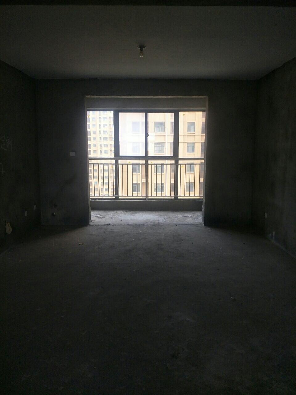 御湖豪庭3室 2厅 2卫57万元