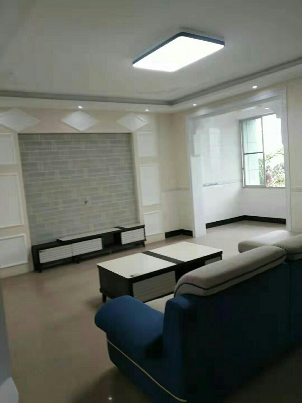二转盘泸高分校旁3室 2厅 2卫54.8万元