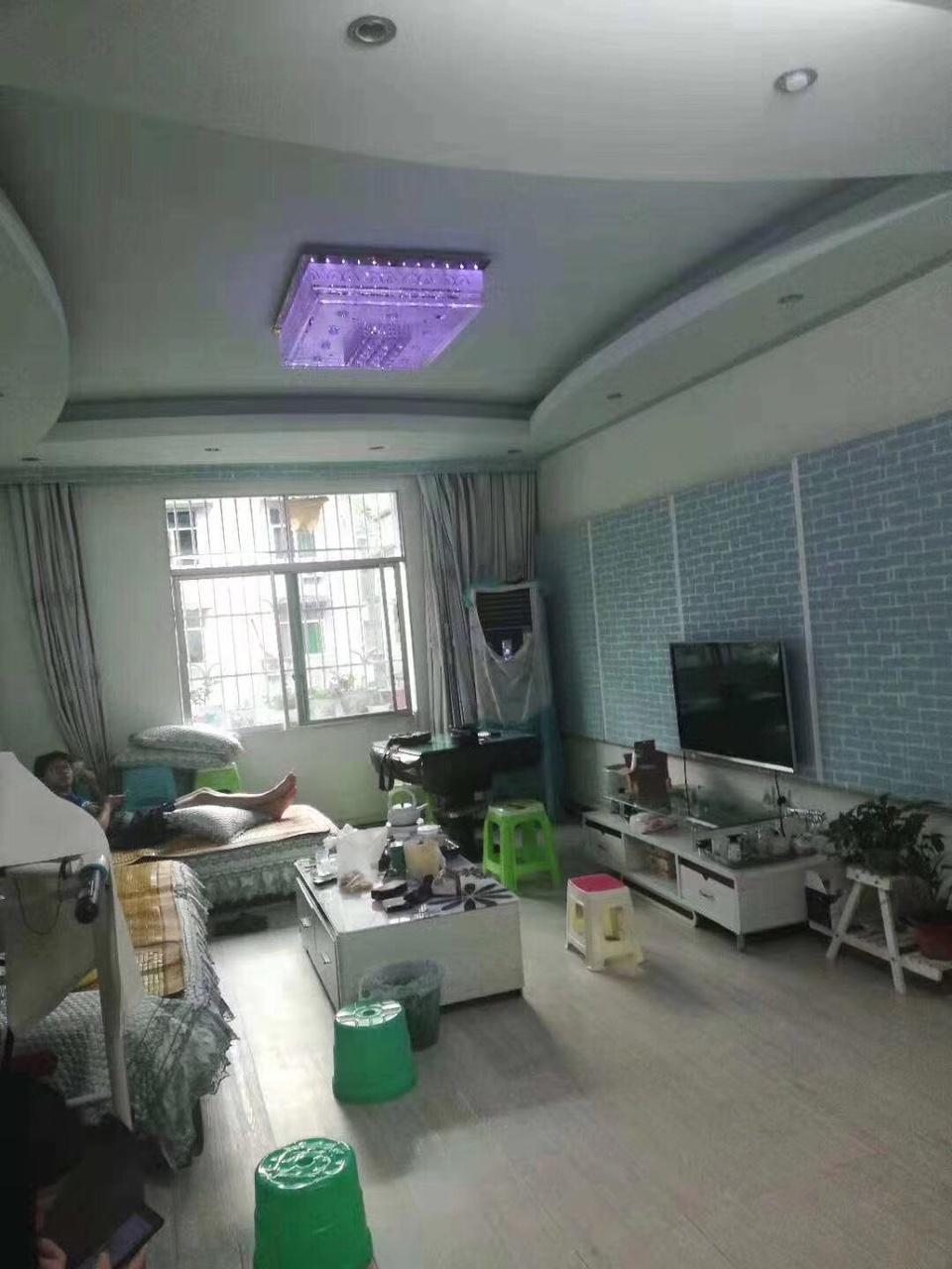 胜利街3室 2厅 2卫63.8万元