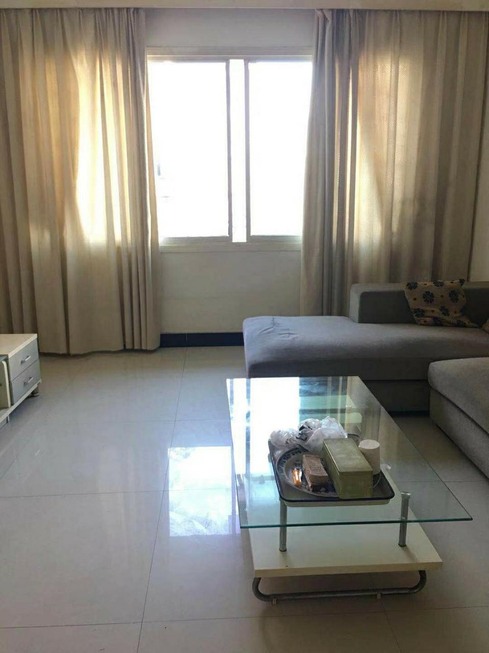 八一廣場3室 2廳 2衛41.8萬元
