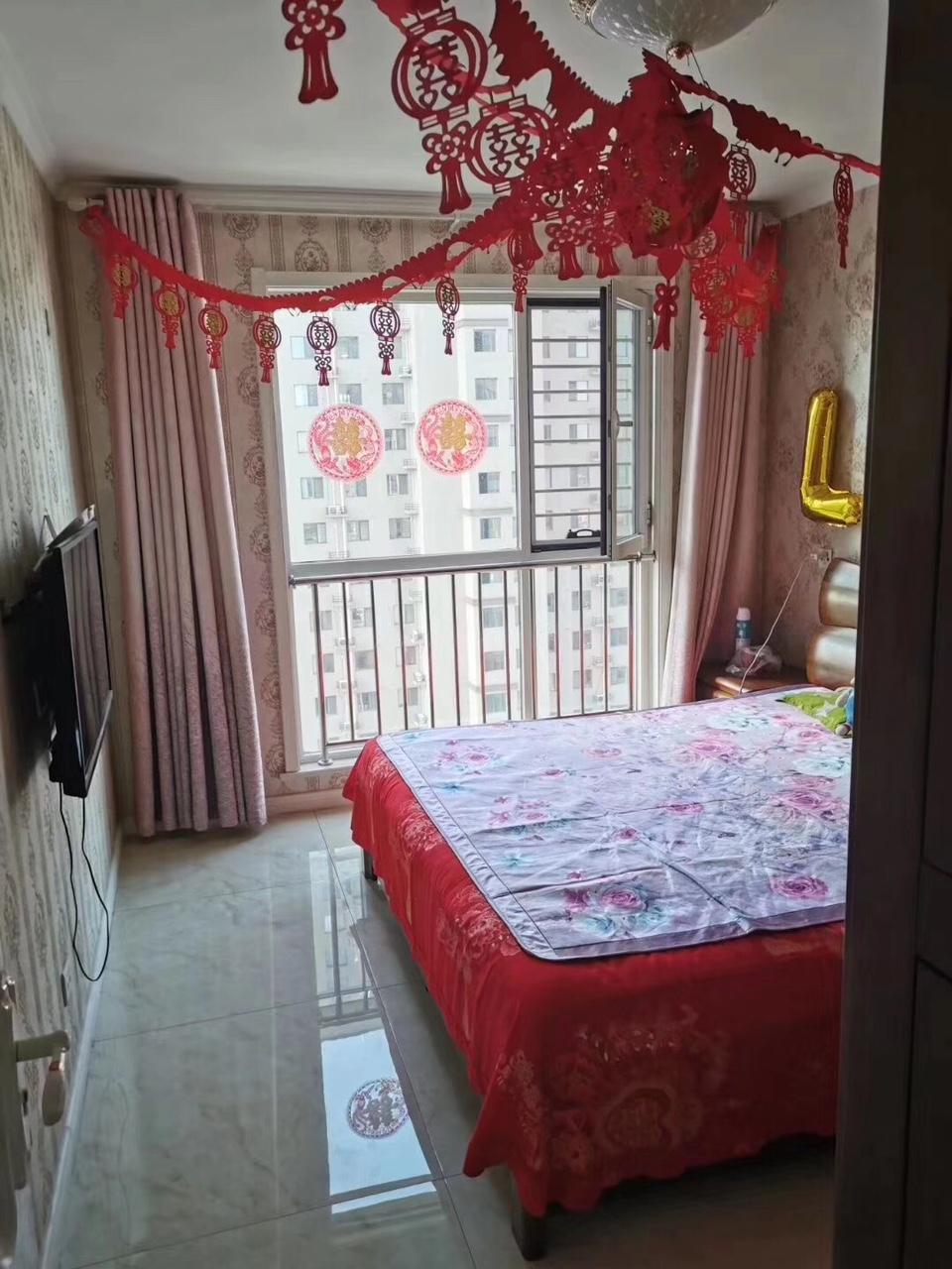 东方家园3室 2厅 1卫130万元
