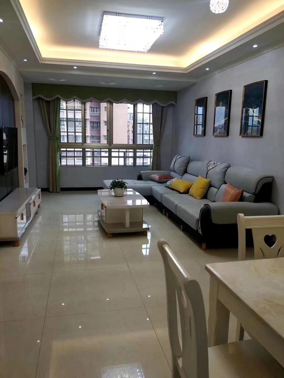 西城国际二期3室 2厅 1卫76.8万元