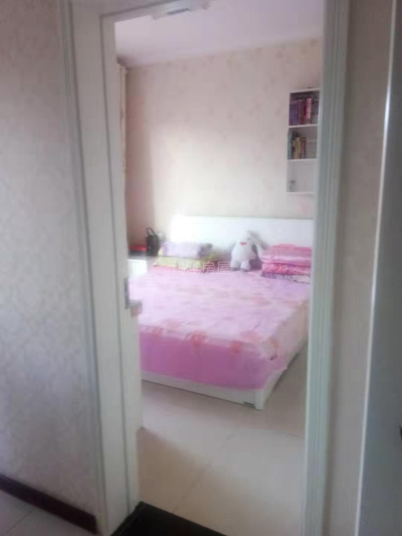 春茂·颐馨园3室 2厅 2卫75万元