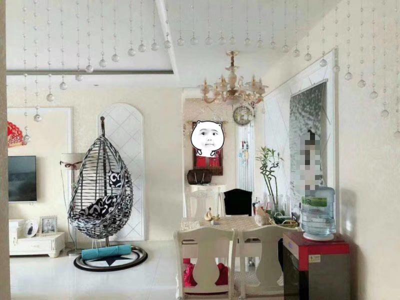达沃斯小区精装两室,婚房,拎包入住