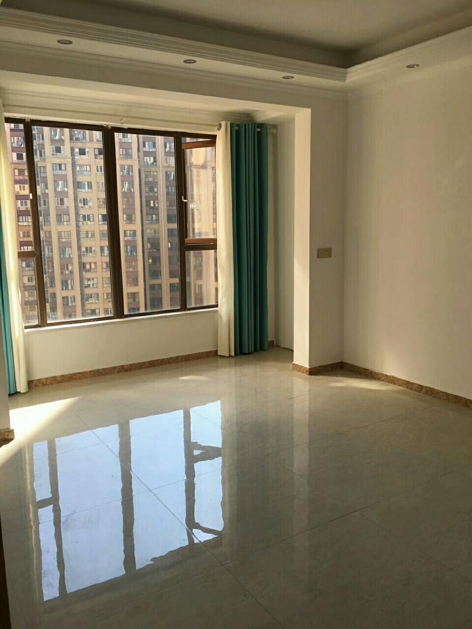阳光凯悦3室 2厅 2卫66万元