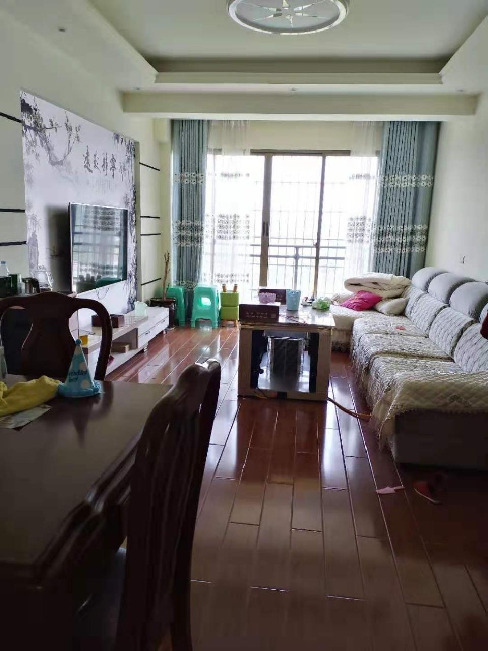 麒龙城市广场3室 1厅 1卫51.8万元