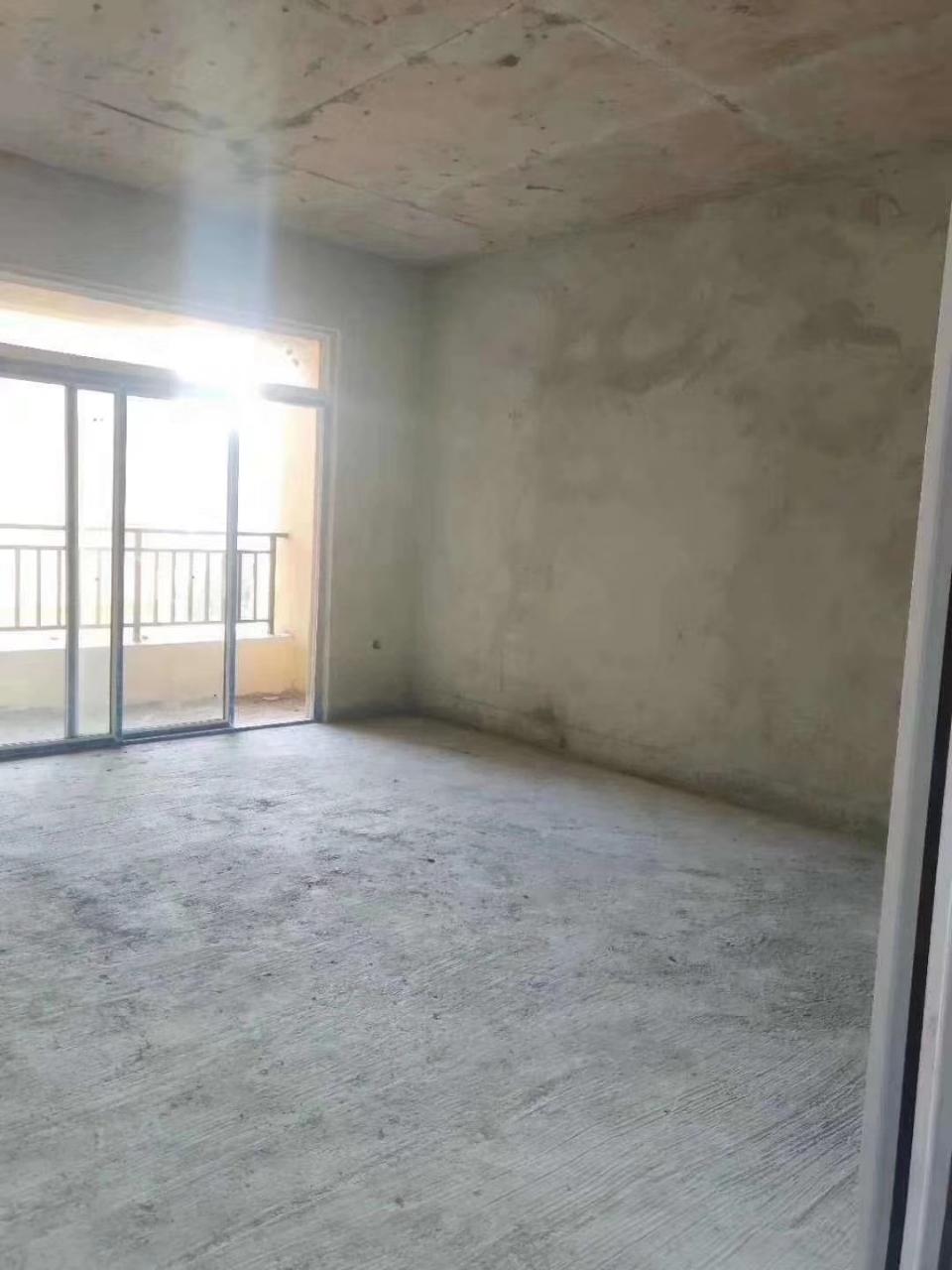 太子湾3室 2厅 1卫43.8万元