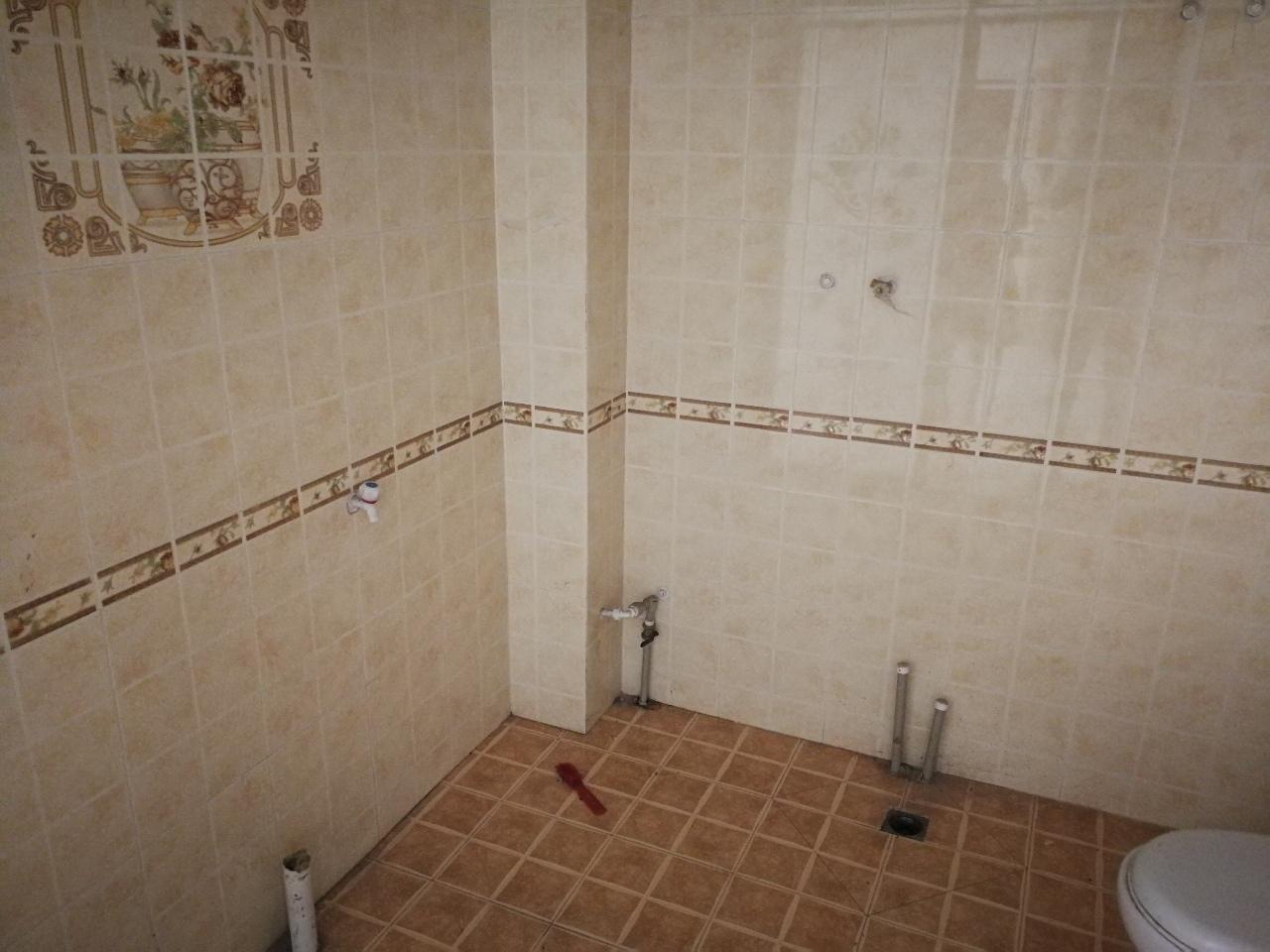 惠东小区1楼新装修3室