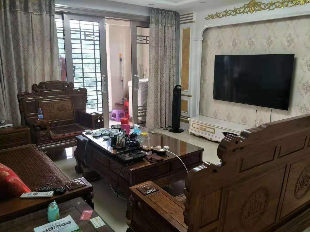 尚学领地3室 2厅 2卫205万元