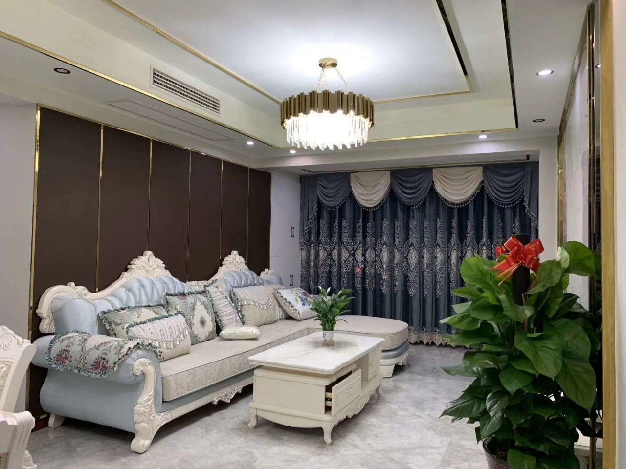 滨江一号3室 2厅 2卫72.8万元
