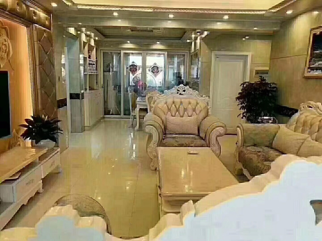 稀缺江景房源,汇金广场豪华装修3室128万元