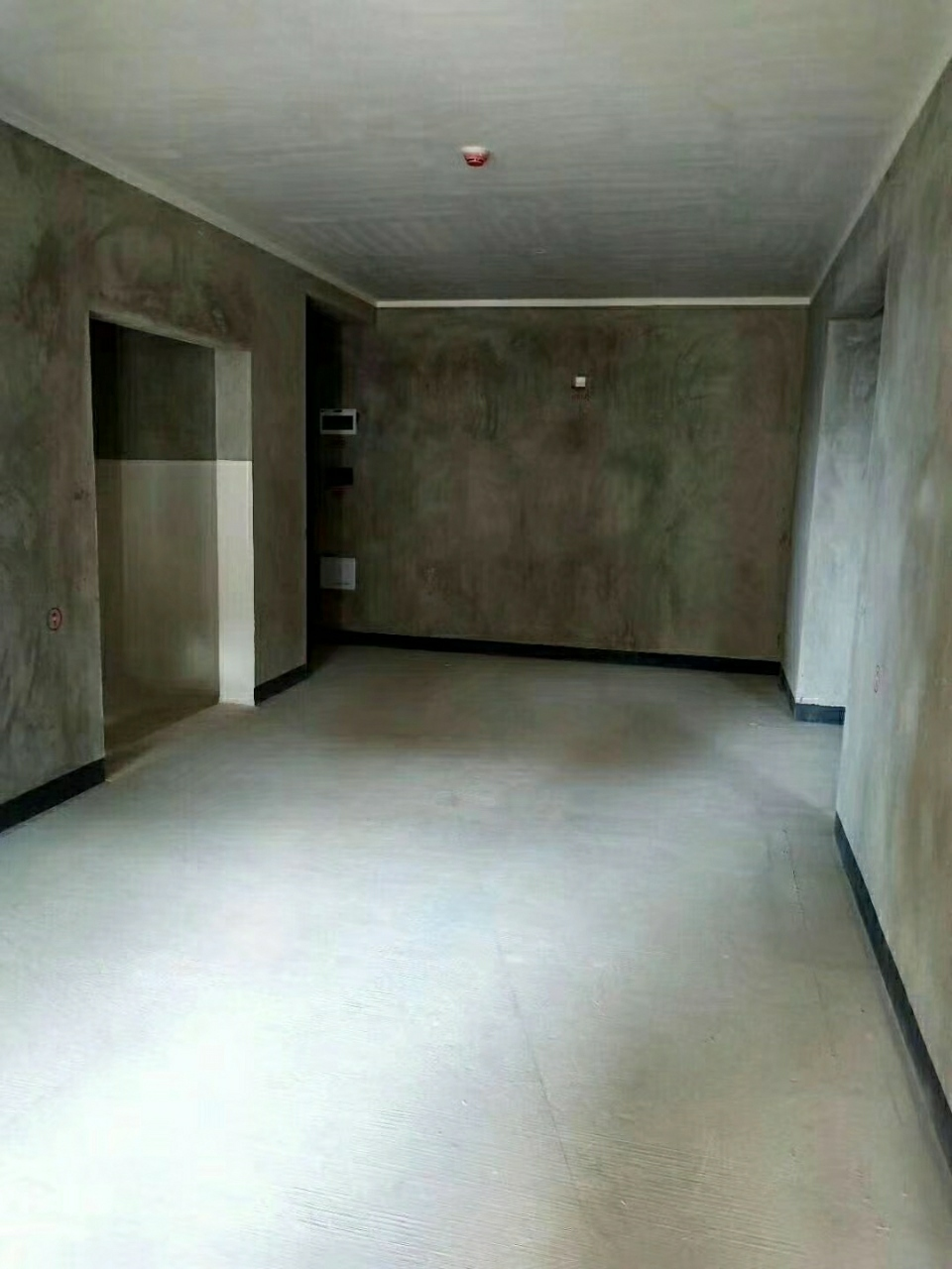 时代都会4室 2厅 2卫130万元