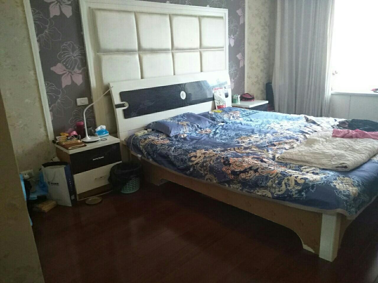 帝景东方3室 2厅 2卫71.5万元