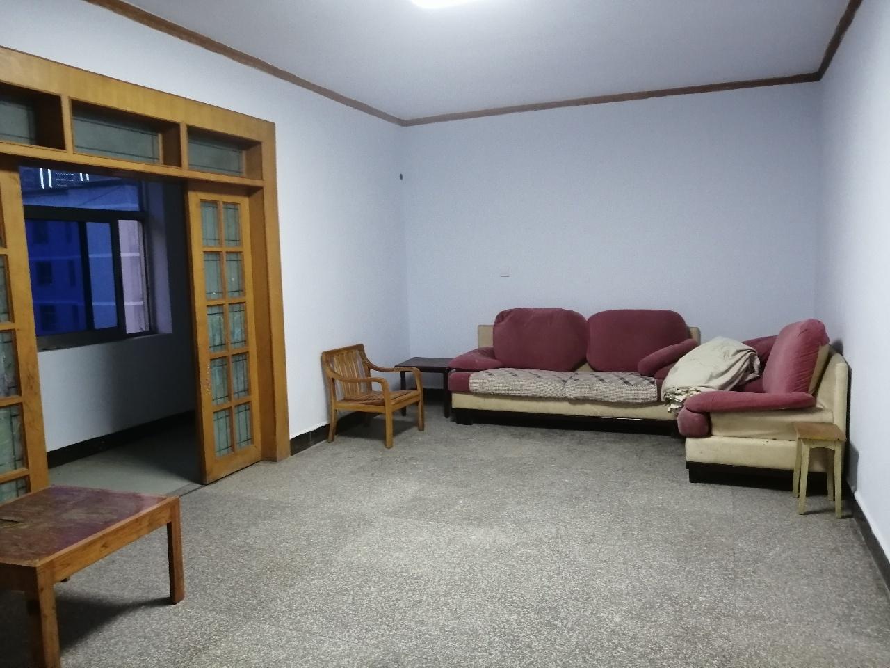 人行橋4室 2廳 1衛64.6萬元