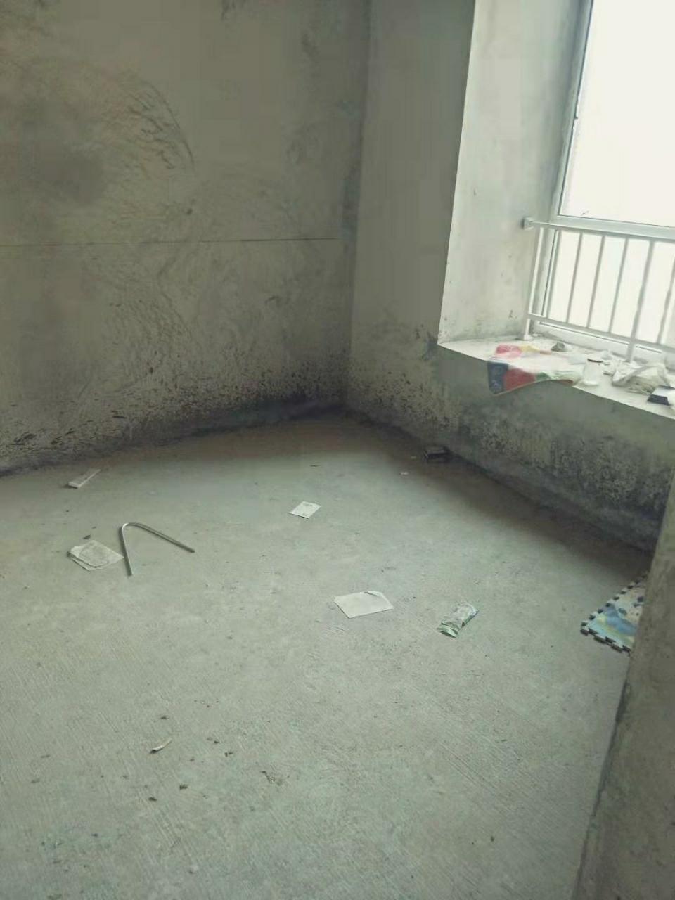 香榭花都3室两厅 可按揭,电梯中层,